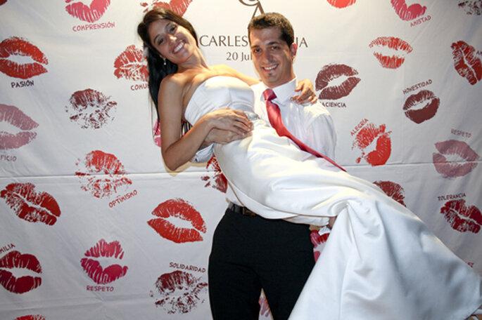 Consigue las fotos m s originales con un photocall para bodas - Fotocol de bodas ...