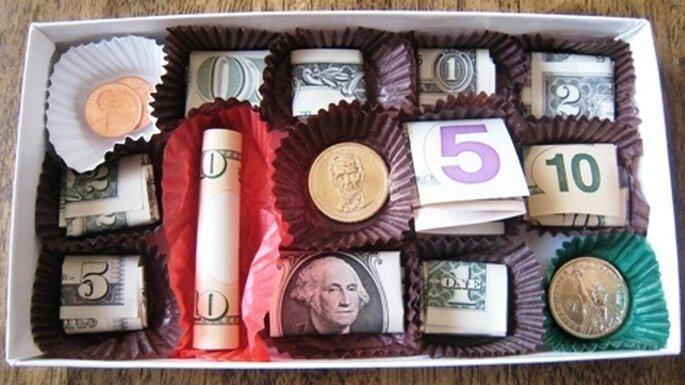 Como dar dinheiro para os noivos de forma original - Caixa de chocolate com dinheiro