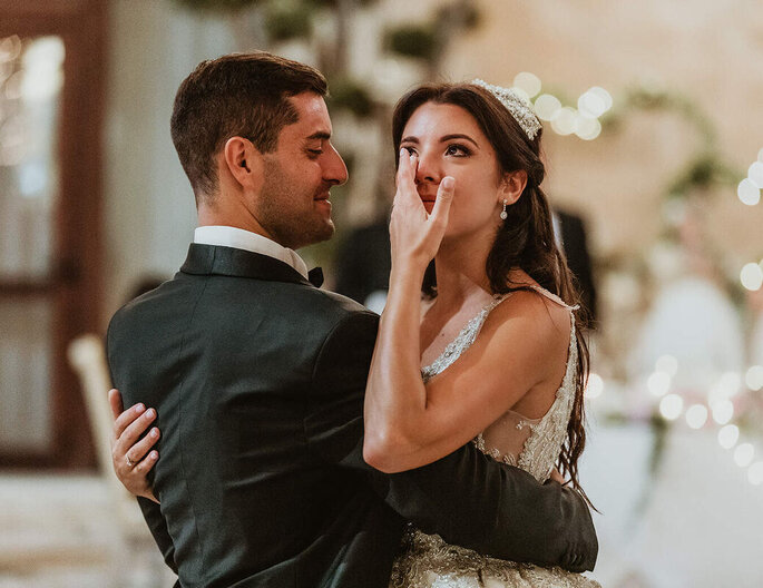 Commozione della sposa al primo ballo