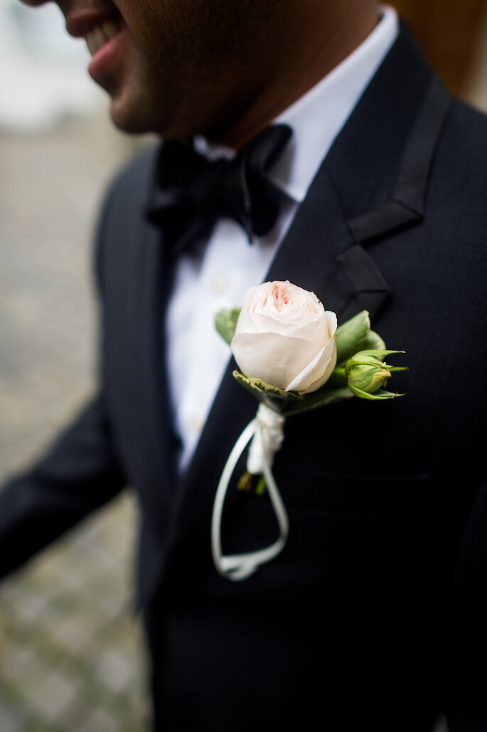 Boutonniere Bräutigam Luuniq Hochzeitsblumen & Dekoration