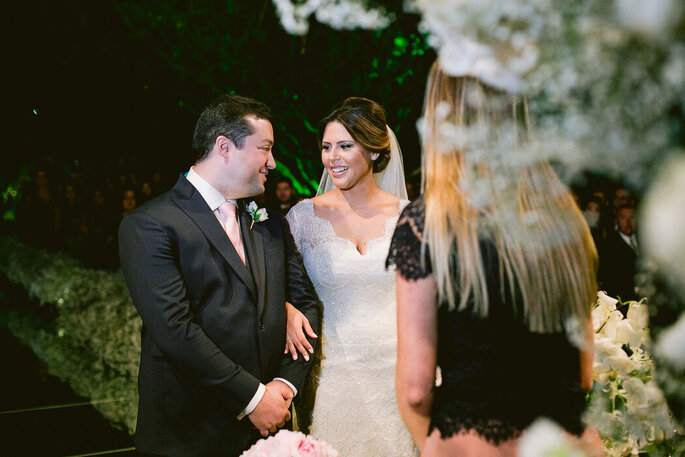 Troca de olhares dos noivos na cerimônia