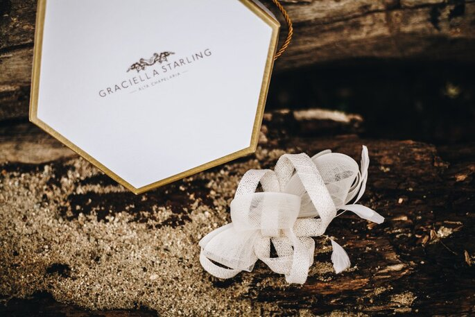Acessório de cabelo da noiva: Graciella Starling - Fotografia: Beach Style Weddings