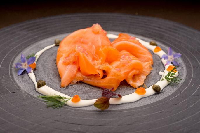 Marc Girard traiteur - un véritable repas de fête à base de saumon fumé