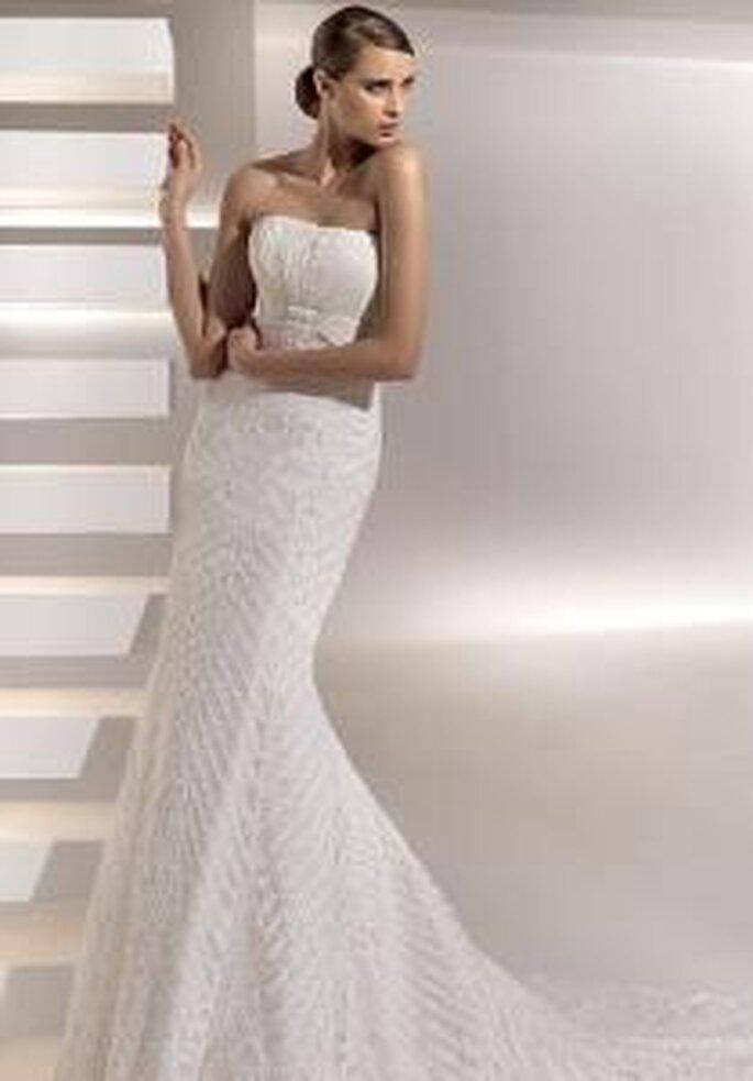 Pronovias 2010 - Galvestone, vestido largo corte sirena, bordado, escote palabra de honor
