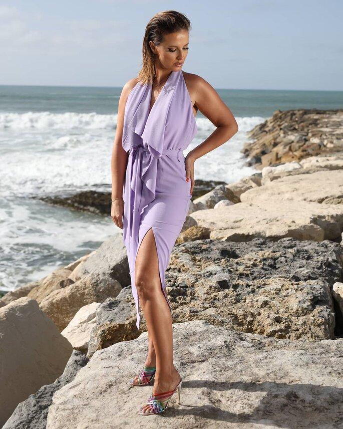 Cristina Ferreira em vestido de festa com penteado liso