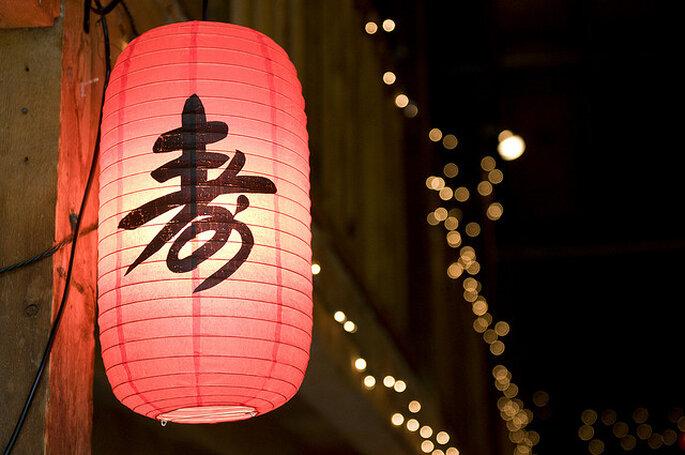 Ideas para la iluminación en una boda country. Foto: Julie Chen