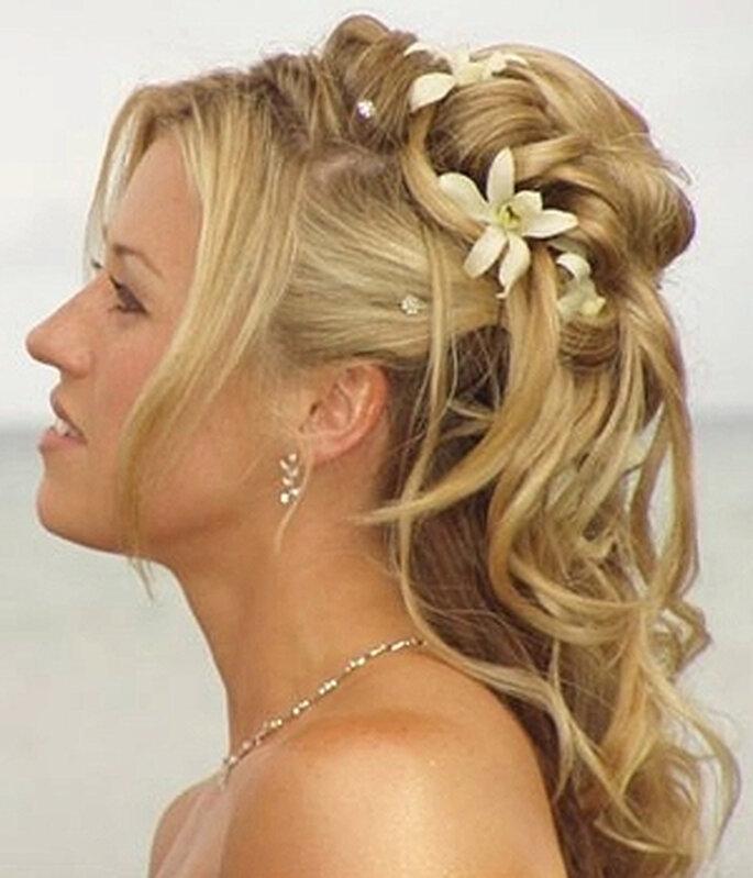 Kreative Brautfrisuren lassen sich mit Haarteilen umsetzen – Foto: marchesposi.it