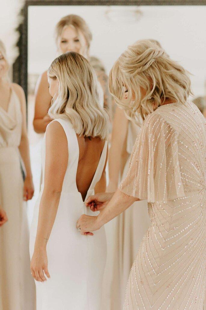 Die Mutter der Braut beim Getting Ready