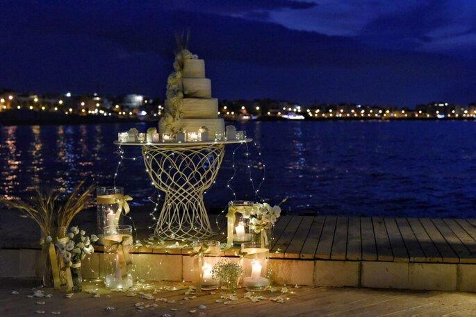 Giuvida Luxury Events - torta nuziale con vista mare