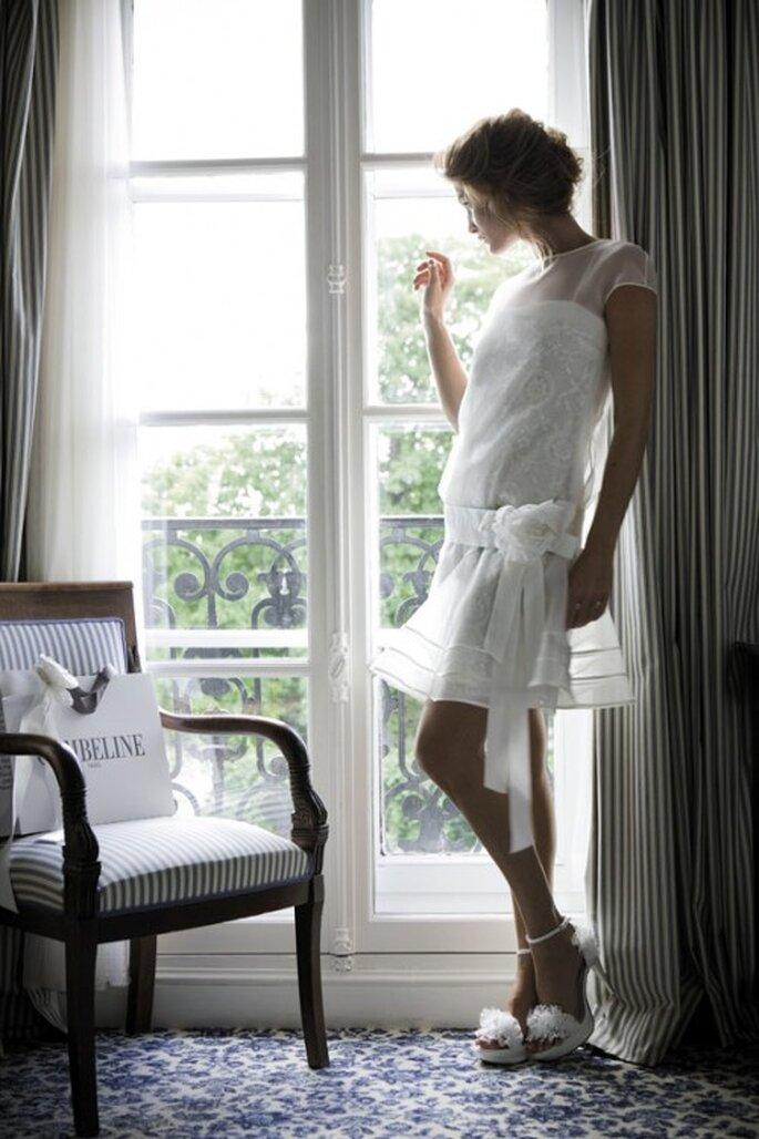 Vestido de novia corto en la colección 2012 de Cymbeline