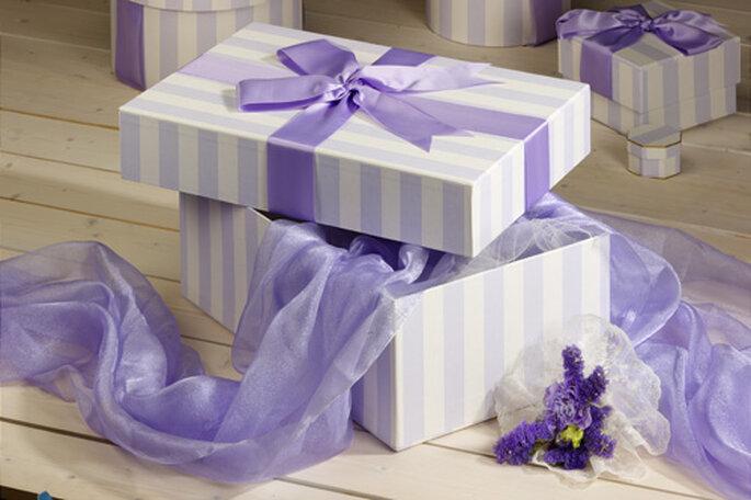 Caja para guardar artículos de emergencia para invitados de tu boda