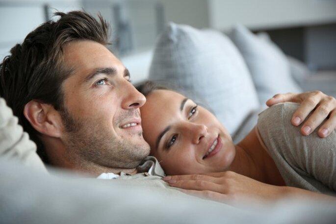 Cómo construir y avivar la intimidad con tu pareja - Shutterstock