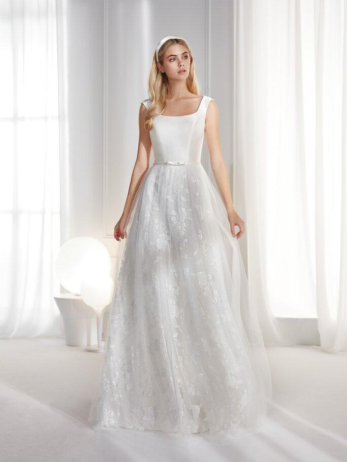 Vestido de novia estilo vintage de tirante grueso con cuello redondo