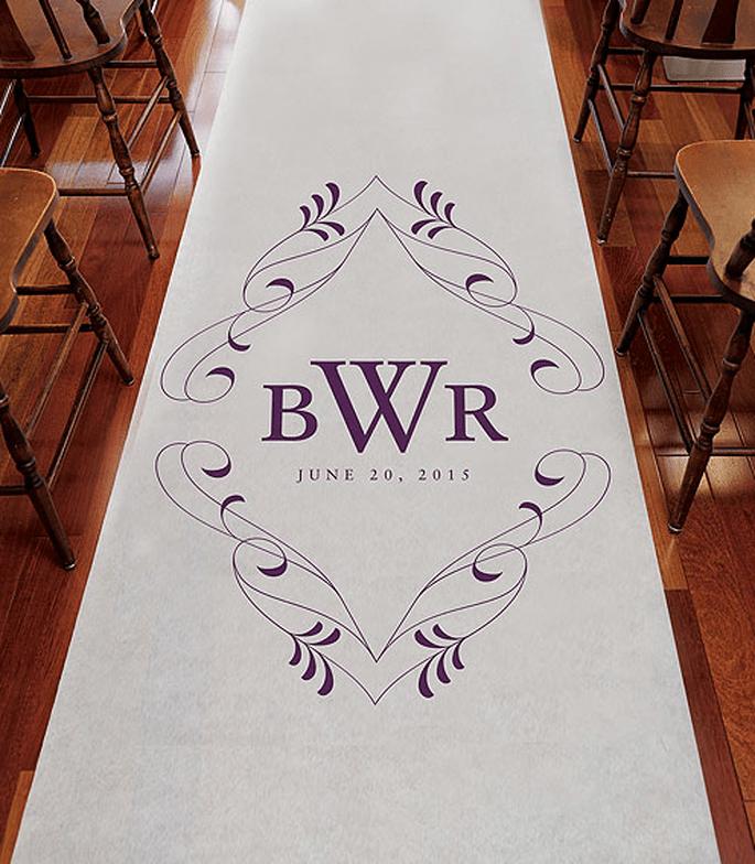 Personaliza tu tapete para boda con sus iniciales y la fecha del enlace - Foto Making Memories and More