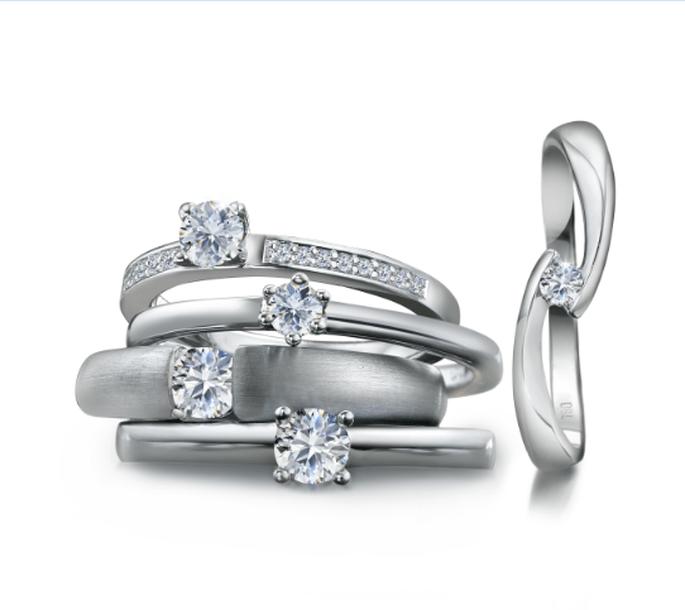 Verschiedene silberne Verlobungsringe