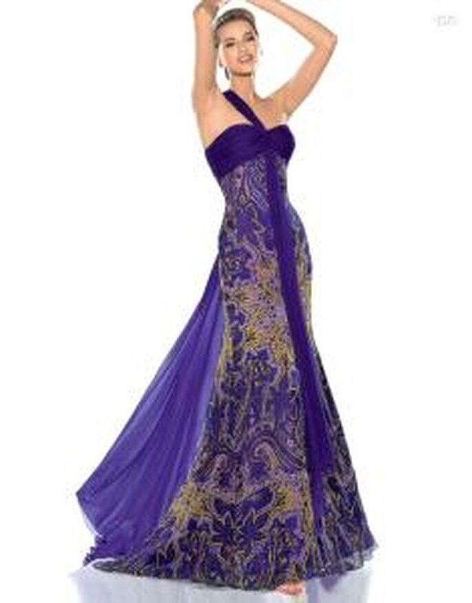 Pronovias Cóctel 2010 - Jafet, vestido largo ajustado, de escote transversal, colores fríos