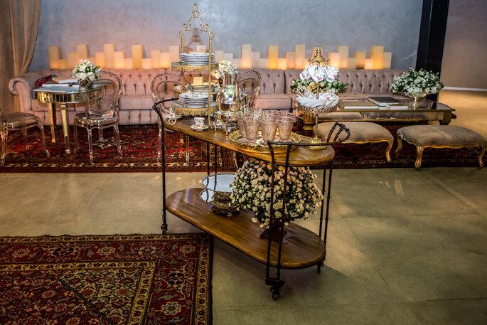 Carrinho para louças decoração especial casamento