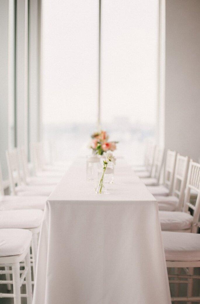 La tendencia en bodas minimalistas - Foto Judy Pak
