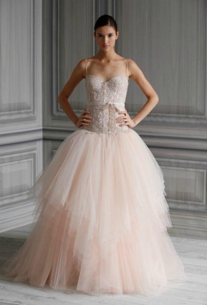 Vestido de novia, corpiño de encaje y falda de tul. Monique Lhuillier 2012