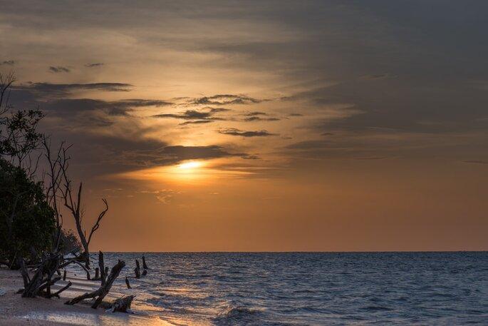 Praia no Suriname