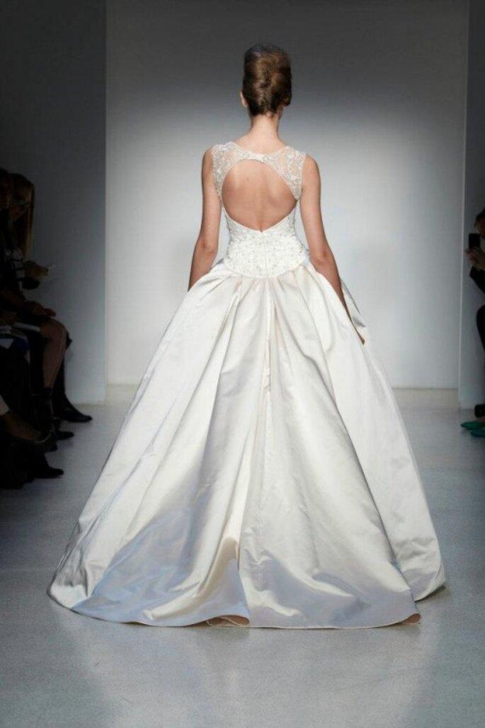 vestido de novia 2014 con espalda enmarcada - Foto Kenneth Pool