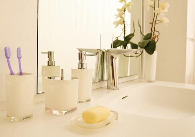 10 idee by guzzini perfette per una casa di design for Portasapone colombo