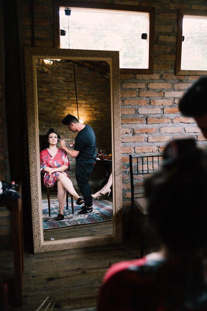 Maquiagem e cabelo da noiva: Leo Pires - Foto: Amanda Francelino Fotografia