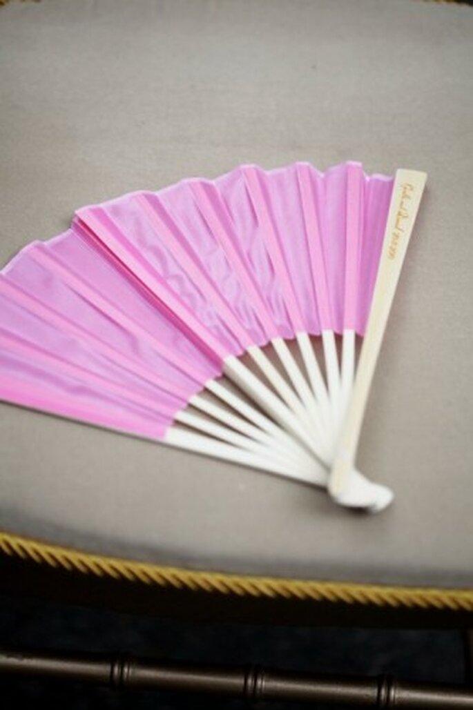 Abanico rosa que también puede ser un excelente recuerdo. Foto de Boutique de 3
