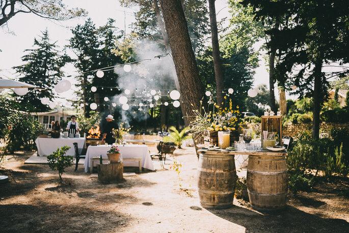 Château Les Carrasses - l'espace barbecue du domaine décoré