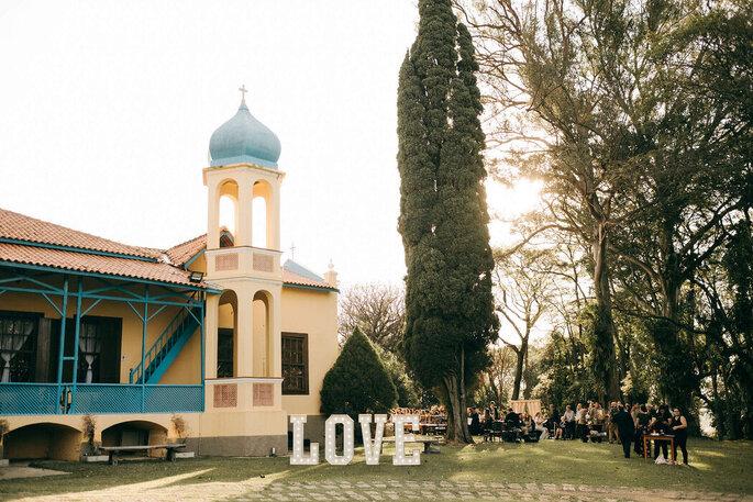 Casarão histórico com amplo jardim para cerimônias lindas ao ar livre