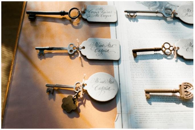 Llaves personalizadas para darle a tus invitados de boda - Foto A Bryan Photography