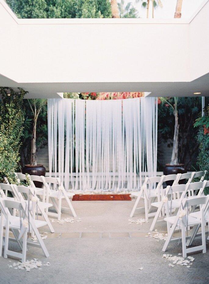 Decoración de boda en color blanco - Foto Michael Radford Photography