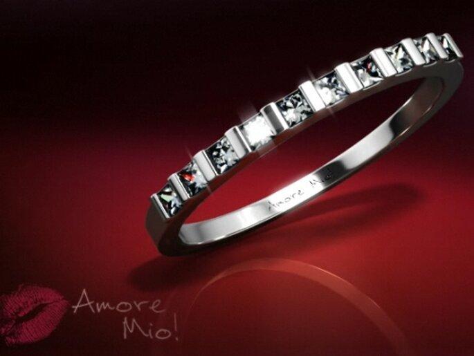 Anillo churumbela con diamantes cuadrados