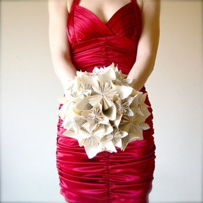 Bouquet de mariée en origami de Marmota Cafe Weddings. Photo: www.etsy.com