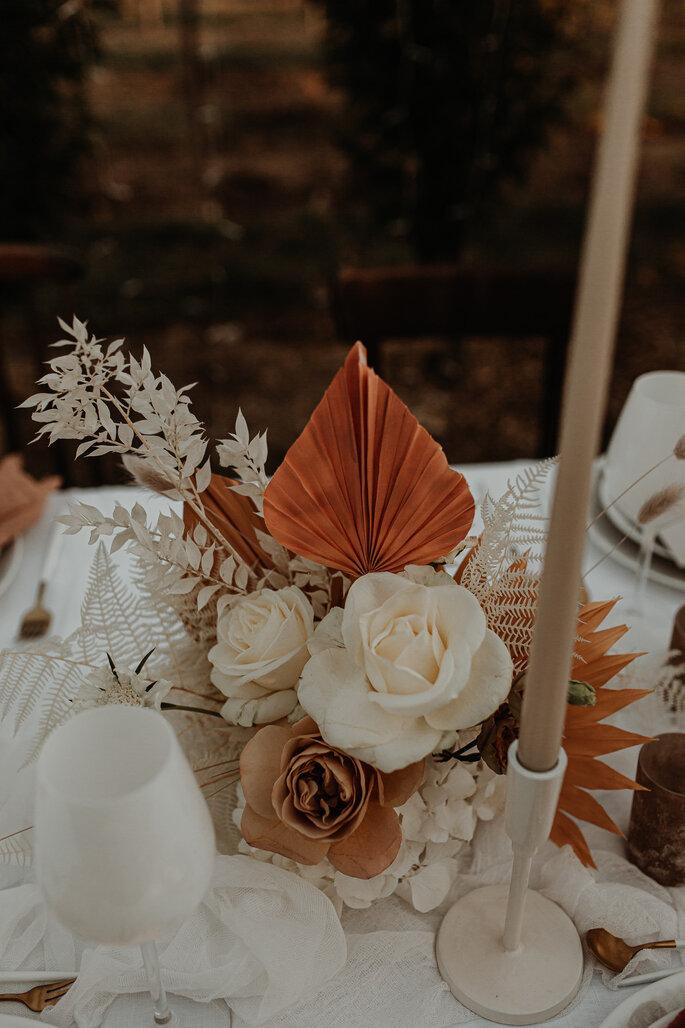 Blumenarrangement Hochzeit Tisch Boho Stil