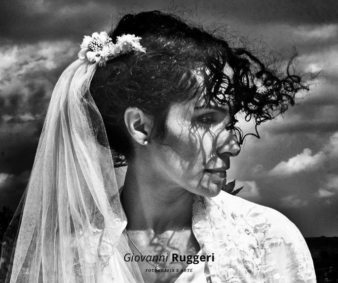 Giovanni Ruggeri Fotografo - sposa seria con velo