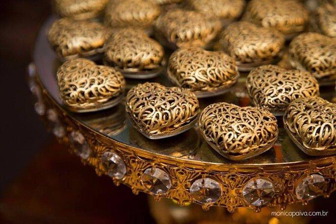 lindas trufas douradas para casamento