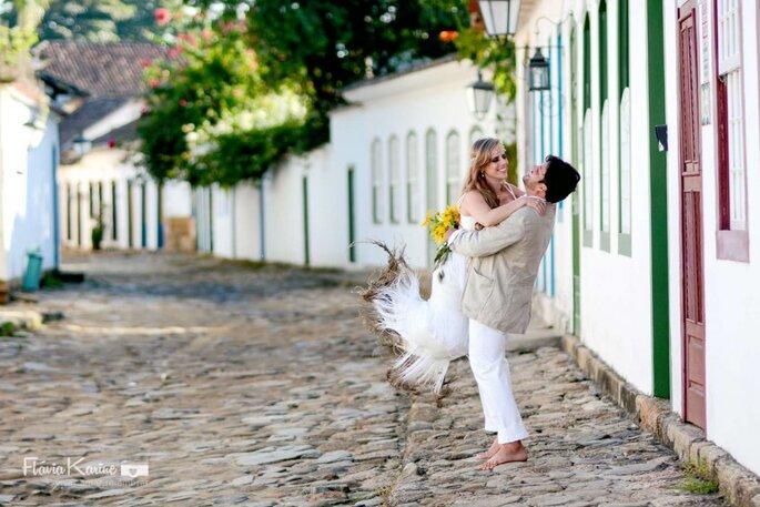 Ensaios que exploram a alegrai real dos noivos