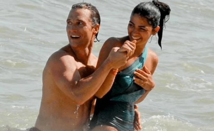 La pareja es retratado constantemente en la playa