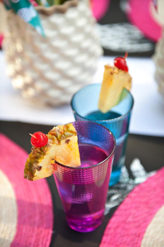 Piñas en la decoración de tu boda -Tara Whittaker Photography