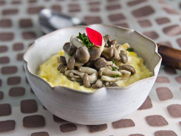 prato com cogumelos para casamento
