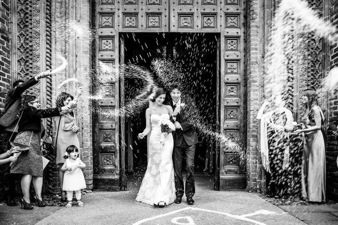 Riccardo Bonetti Photography - lancio riso uscita dalla chiesa degli sposi