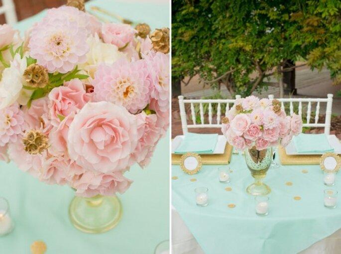Romántica decoración de boda en colores menta, rosa y dorado - Foto Twila's Photography