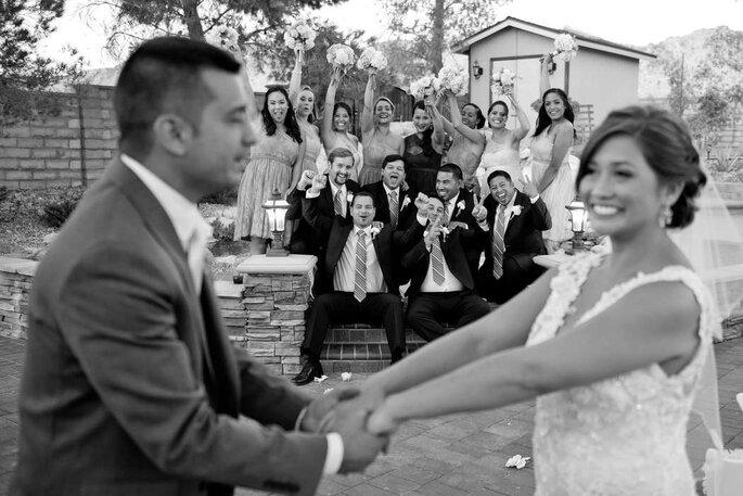 Madrinhas e padrinhos comemorando a felicidades dos noivos - Foto: Lenine Serejo Fotografia