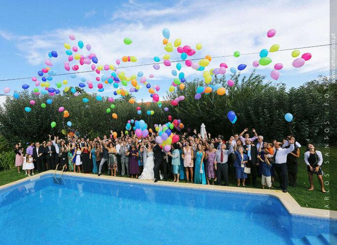 largada de balões numa festa de casamento