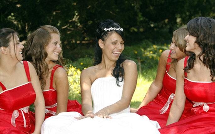 Choisir vos amies comme demoiselles d'honneur vous assurera de grands moments de complicité