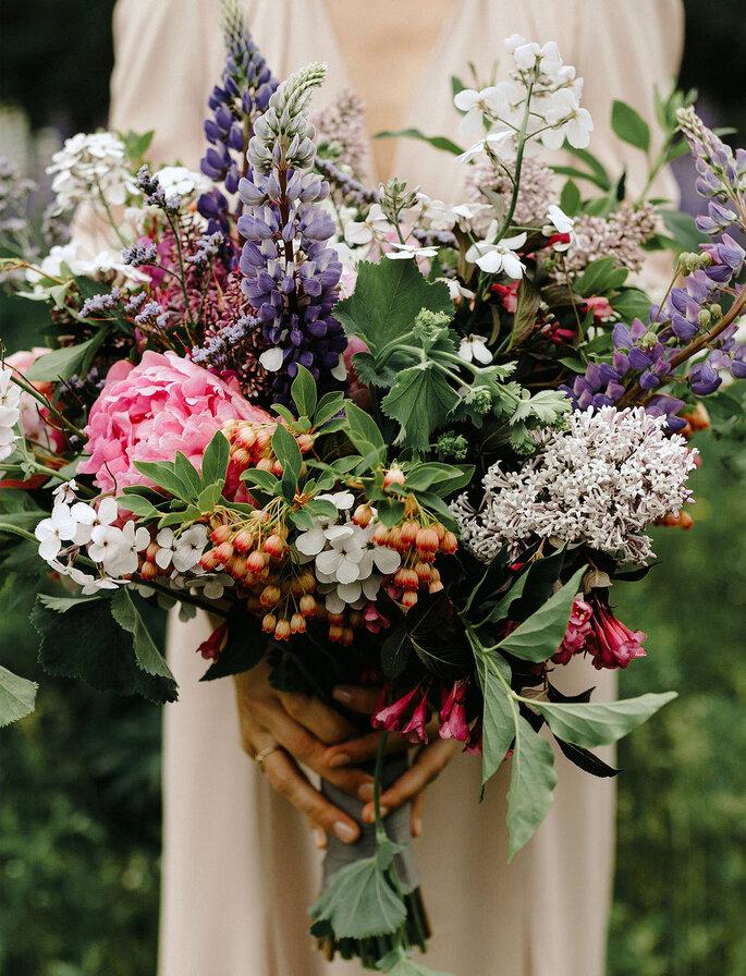 Ramos de noiva com flores silvestres