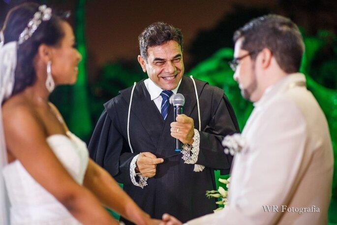 Celebração por Juiz de Paz e Celebrante Roberto Moyses – Foto: WR Fotografia.