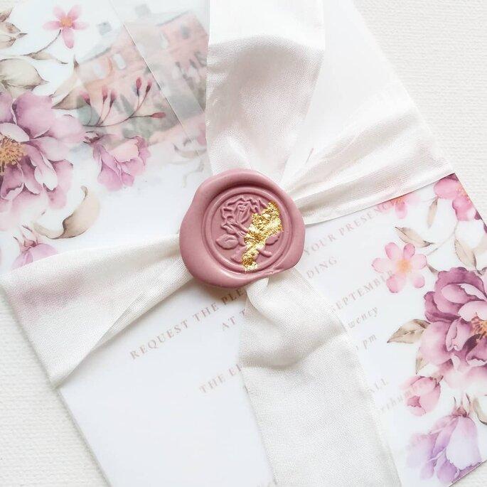 sobres para invitaciones de boda bonitos y rosas