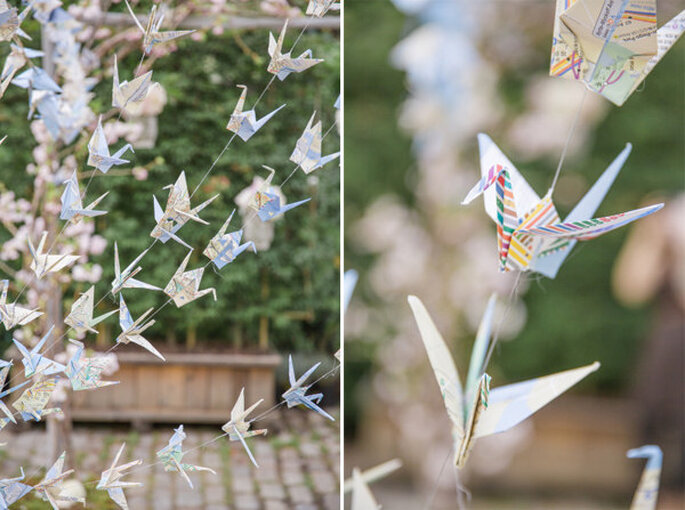 Guirnaldas con grullas de papel para decorar una boda. Foto: 1313 Photography